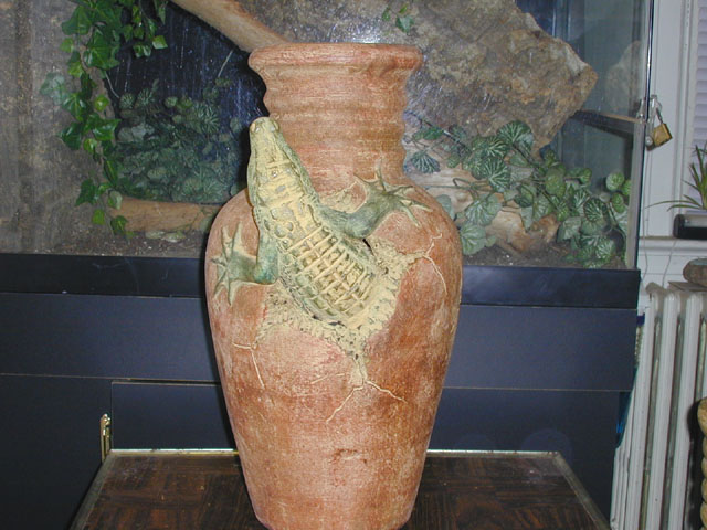 Medium Gator Pot