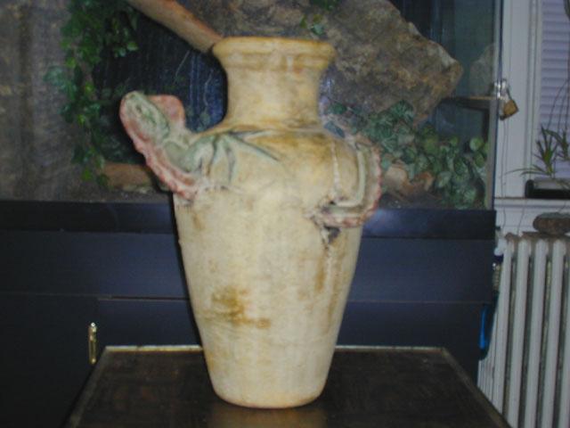 Medium Iguana Pot